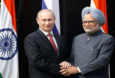india_russia_summit_12_putin_with_manmohan.jpg