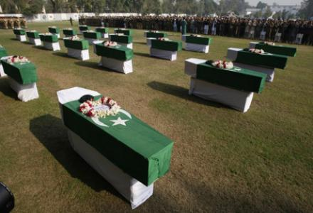 pakistan_soldiers_killed_by_nato_1.jpg