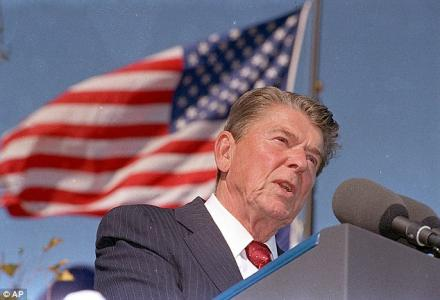 usa_ronald_regan_helped_iraq_gassing_iraq.jpg